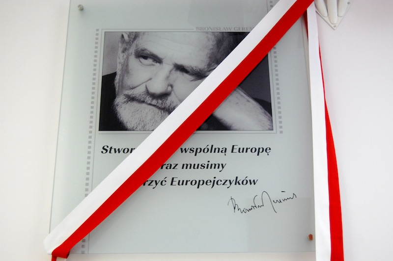 """Uroczyste otwarcie lokalu SLO7 i SG55 oraz promocja książki """"Bronisław Geremek: głos w Europie"""""""